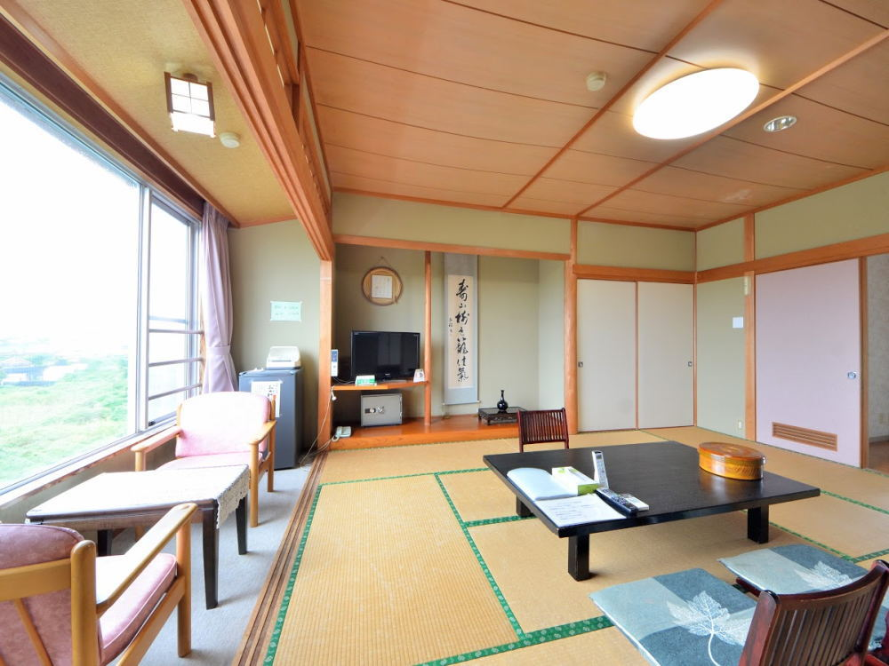 Japanese style room with sea view (10 tatami)